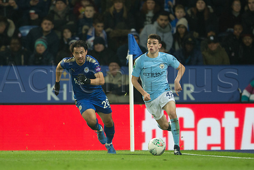 19th December 2017, King Power Stadium, Leicester, England; Carabao Cup quarter-final, Leicester City versus Manchester City; vPhil Foden of Manchester City skins Shinji Okazaki of Leicester City at the corner flag