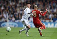 FUSSBALL   CHAMPIONS LEAGUE SAISON 2011/2012  HALBFINALE  RUECKSPIEL      Real Madrid - FC Bayern Muenchen           25.04.2012 Cristiano Ronaldo (li, Real Madrid) gegen Arjen Robben (re, FC Bayern Muenchen)