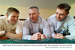 FAMILY AFFAIR......Former Kerry team trainer Paidi O'Se talks his nephews Tomas O'Se, left and Darragh  O'Se in 2000.Picture by MacMonagle, Killarney