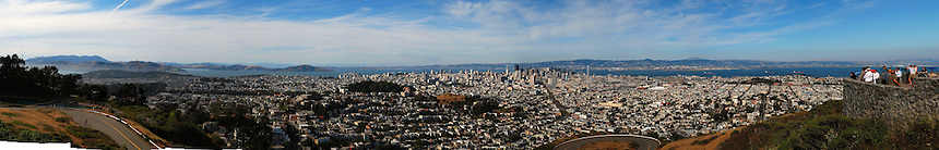 San Francisco skyline panorama from Twin Peaks