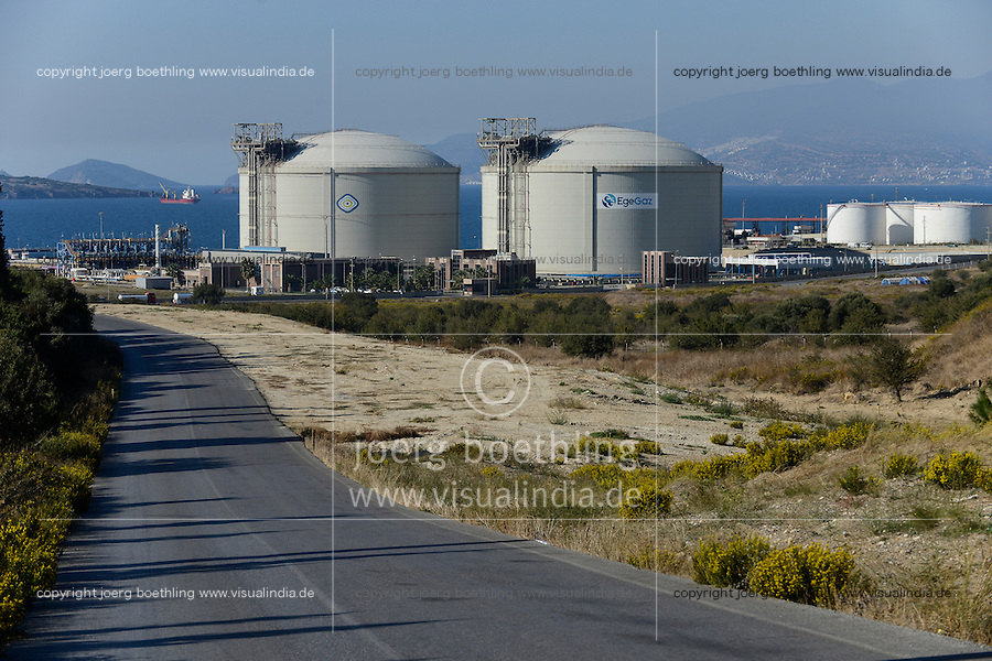 TURKEY Aliaga, harbour and gas tanks of EgeGaz  / TUERKEI Aliaga, Hafen und Gastanks von EgeGaz