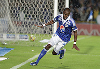 BOGOTÁ -COLOMBIA, 15-06-2013. Wason Rentería (D) de Millonarios celebra un gol en contra de Once Caldas durante partido de los cuadrangulares finales F1 de la Liga Postobón 2013-1 jugado en el estadio el Campín de la ciudad de Bogotá./ Wason Renteria (R) of Millonarios celebrates a goal  against Once Caldas during match of the final quadrangular 1th date of Postobon  League 2013-1 at El Campin stadium in Bogotá city. Photo: VizzorImage/STR