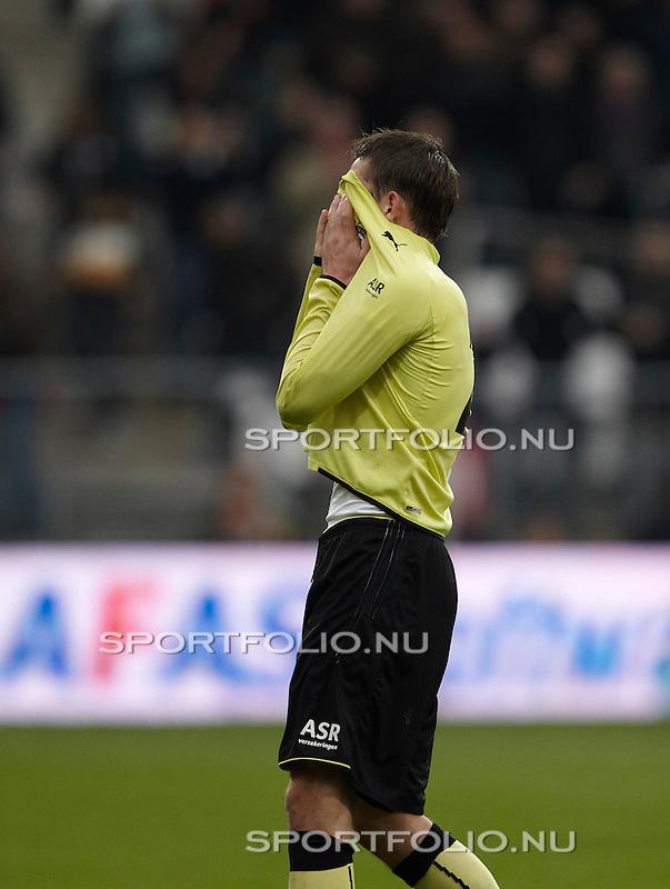 Nederland, Alkmaar, 31 oktober 2010 .Eredivisie .Seizoen 2010-2011 .AZ-Feyenoord (2-1) .Stefan de Vrij van Feyenoord slaat de hand voor zijn gezicht na afloop van de wedstrijd