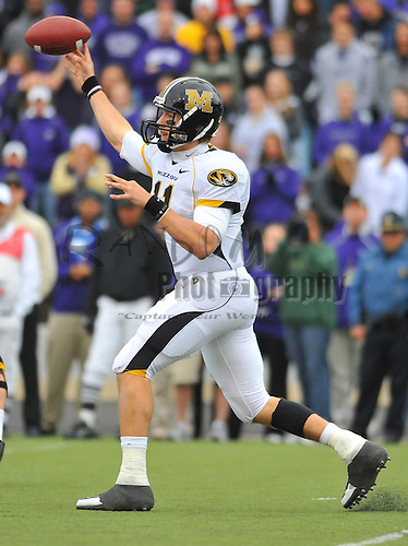 Nov 14, 2009; Manhattan, KS, USA; Missouri quarterback Blaine Gabbert (11) passes in the second half against the Kansas State Wildcats at Bill Snyder Family Stadium. The Tigers won 38-12. Mandatory Credit: Denny Medley-US PRESSWIRE