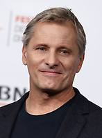 L'attore statunitense Viggo Mortensen posa durante un photocall per la presentazione del film &quot;Green Book&quot; al Festival Internazionale del Film di Roma, 24 ottobre 2018.<br /> US actor Viggo Mortensen poses for a photocall to present the movie &quot;Green Book&quot; during the international Rome Film Festival at Rome's Auditorium, on October 24, 2018.<br /> UPDATE IMAGES PRESS/Isabella Bonotto