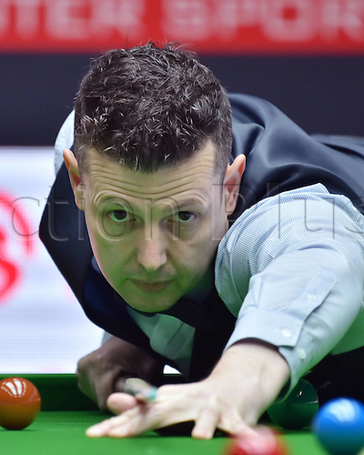 28.03.2016. Beijing, China, Peter Lines of Britain competes during the qualifying match against Liang Wenbo of China at the 2016 World Snooker China Open in Beijing, capital of China, March 28, 2016.