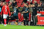 04.11.2018, Opel-Arena, Mainz, GER, 1 FBL, 1. FSV Mainz 05 vs SV Werder Bremen, <br /> <br /> DFL REGULATIONS PROHIBIT ANY USE OF PHOTOGRAPHS AS IMAGE SEQUENCES AND/OR QUASI-VIDEO.<br /> <br /> im Bild: Wechsel: Martin Harnik (SV Werder Bremen #9) fuer Philipp Bargfrede (#44, SV Werder Bremen)<br /> <br /> Foto © nordphoto / Fabisch