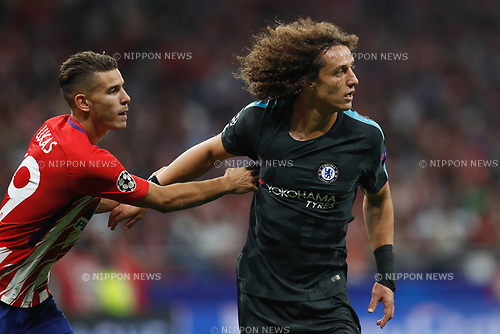 (L-R) Lucas Hernandez (Atletico), David Luiz (Chelsea), SEPTEMBER 27, 2017 - Football / Soccer : UEFA Champions League Mtchday 2 Group C match between Club Atletico de Madrid 1-2 Chelsea FC at the Estadio Metropolitano in Madrid, Spain. (Photo by Mutsu Kawamori/AFLO) [3604]