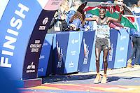 NEW YORK, NY, 06.11.2016 - MARATONA-NEW YORK - Lucas Rotich do Quenia comemora o segundo lugar durante a Maratona Internacional de New York  nos Estados Unidos neste domingo, 06. (Foto: William Volcov/Brazil Photo Press)