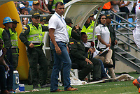 SANTA MARTA - COLOMBIA, 11-05-2019: Harlod Rivera técnico de Unión gesticula durante el partido por la fecha 1, cuadrangulares semifinales, de la Liga Águila I 2019 entre Unión Magdalena y Deportivo Pasto jugado en el estadio Sierra Nevada de la ciudad de Santa Marta. / Harold Rivera coach of Union gestures during match for the date 1 of the semifinal quadrangular as part Aguila League I 2019 between Union Magdalena and Deportivo Pasto played at Sierra Nevada stadium in Santa Marta city. Photo: VizzorImage / Gustavo Pacheco / Cont