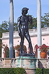 USA, FL, Sarasota, John and Mabel Ringling Museum, Statue of David in Museum Courtyard