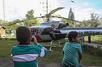 SAO PAULO, SP, 13.07.2013 - RESGATE AGUIA / ATROPELAMENTO POR ONIBUS - Uma vitima foi atropelada por um ônibus Rua Piratininga com Avenida Alcântara Machado no bairro Brás e resgatada pelo Helicóptero Águia da Policia Militar que pousou no Parque Benemérito José Brás. A vitima foi encaminhada em estado grave ao  Hospital das Clinicas na tarde deste sábado, 13 - Foto: William Volcov - Brazil Photo Press.