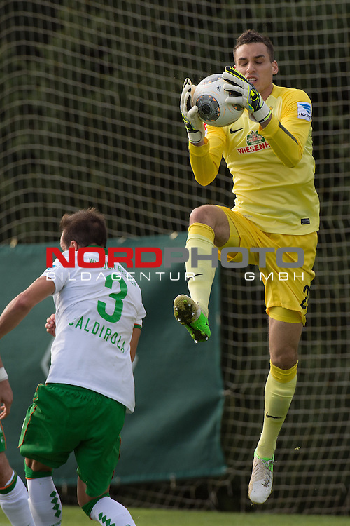 Trainingsgel&auml;nde, Jerez, ESP, 1.FBL, FSP  Werder Bremen (GER)  vs NEC Nijmegen (NED),  12.01.2014, <br /> <br /> Raphael Wolf (Bremen #20)<br /> Luca Caldirola (Bremen #3)<br /> <br /> <br /> Foto &copy; nordphoto/ Kokenge