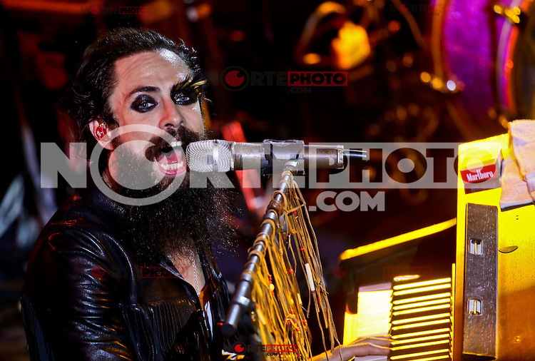 The Mexican rock band Moderatto the glam metal genre, gave a concert of his music in the circle of the arena of Livestock Expo Sonora early May 6, 2015 <br /> Creditofoto:LuisGutierrez/NortePhoto.com