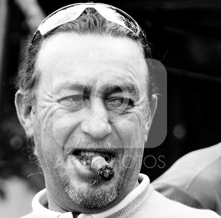 19.09.2010, Country Club Diamond, Atzenbrugg, AUT, Golf, Austrian Golf Open 2010 Final, im Bild Jose Miguel Jimenez (ESP), Porträt mit Zigarre, EXPA Pictures 2010, PhotoCredit: EXPA/ S. Trimmel