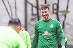 14.04.2018, Trainingsgelaende, Bremen, GER, 1.FBL, Training SV Werder Bremen<br /> <br /> im Bild<br /> Jiri Pavlenka (Werder Bremen #01) lacht, <br /> <br /> Foto &copy; nordphoto / Ewert
