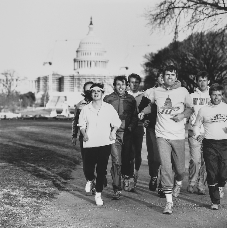 Sen. Jeff Bingaman, D-N.M., jogging on Capitol Hill. 1988 (Photo by CQ Roll Call via Getty Images)