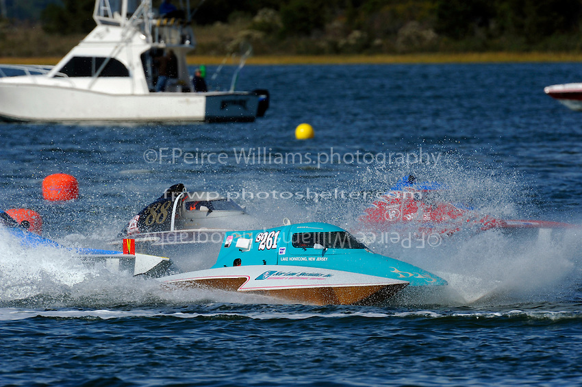 "(L to R): Kenny Walton, S-999 ""Capital Gain JR."" (2.5 Litre Stock class hydroplane), S-261, (2.5 Litre Stock hydroplane), Bobby Kennedy,S-88 ""Playin Again,  2.5 Litre Stock class hydroplane and Marc Theoret, CS-444,  2.5 Litre Stock class hydroplane"