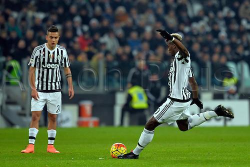 13.02.2016. Juventus Stadium, Turin, Italy. Serie A Football. Juventus versus Napoli. Paul Pogba takes a shot from a free kick