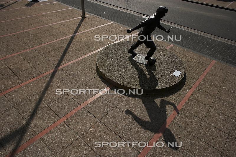 Nederland, Heerenveen, 14 maart 2007  .Standbeeld van Abe Lenstra.