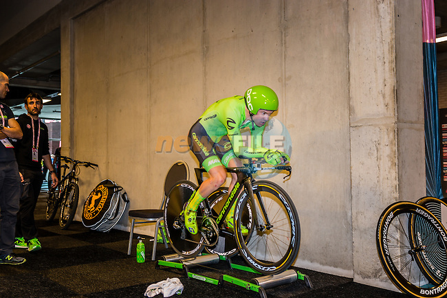 CLARKE Simon (AUS) of Cannondale Pro Cycling Team (USA) before the start at velodrome Omnisport, stage 1 (ITT) from Apeldoorn to Apeldoorn running 9,8 km of the 99th Giro d'Italia (UCI WorldTour), The Netherlands, 6 May 2016. Photo by Pim Nijland / PelotonPhotos.com | All photos usage must carry mandatory copyright credit ( Peloton Photos | Pim Nijland)