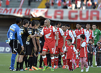 BOGOTÁ -COLOMBIA, 22-06-2013. Aspecto del encuentro entre Independiente Santa Fe y Once Caldas en los cuadrangulares finales, fecha 3, de la Liga Postobón 2013-1 jugado en el estadio el Campín de la ciudad de Bogotá./ Aspect of match between Santa Fe and Once Caldas during match of the final quadrangular 3th date of Postobon  League 2013-1 at El Campin stadium in Bogotá city. Photo: VizzorImage/STR