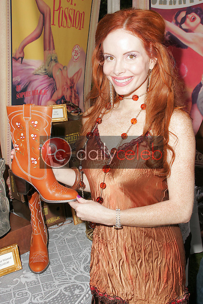 """Phoebe Price<br />at the W Hollywood Yard Sale Presented by Guess benefitting """"Clothes Off Our Back"""". Private Residence, Brentwood, CA. 09-17-05<br />Dave Edwards/DailyCeleb.Com 818-249-4998"""