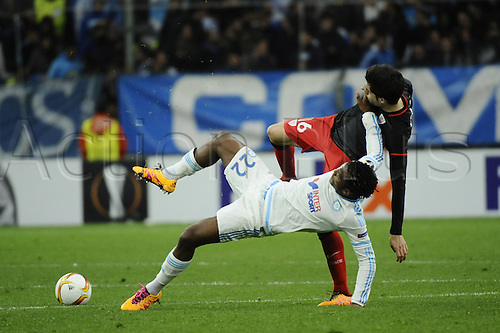 18.02.2016. Marseille, France. UEFA Europa league football. Marseille versus Athletic Bilbao.  Batshuayi (OM) challenged by Xabier Etxeita