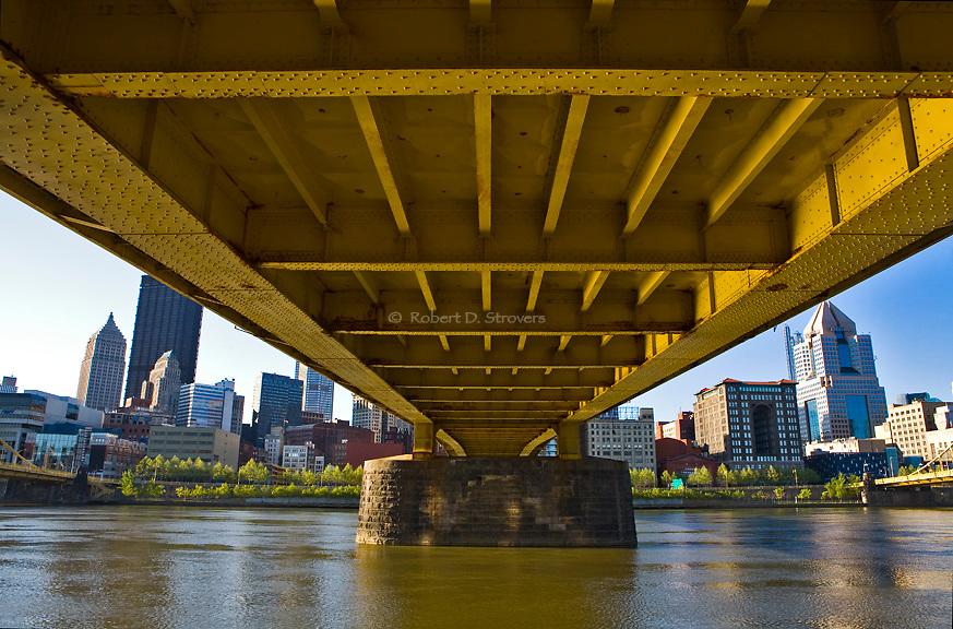 Pittsburghs Bridges - Under the 7th