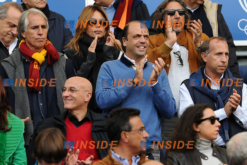 Angelino Alfano in tribuna con il figlio .Roma, 23/10/2011 Stadio Olimpico.Football Calcio 2011/2012 .Roma vs Palermo.Campionato di calcio serie A.Foto Insidefoto Antonietta Baldassarre