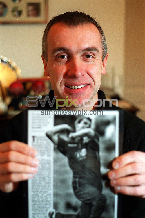 Pix:BEN DUFFY/SWpix.com.....Cricket- Michael Anderson, father of Englands Jame Anderson.....06/02/2003..COPYRIGHT PICTURE>>SIMON WILKINSON>>01943 436649>>..Michael Anderson, father of James Anderson who was recently called up to be a member of the English World Cup cricket squad in South Africa