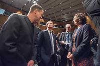 Diskussionsrunde der Spitzenkandidaten von SPD, CDU, Gruenen, Linkspartei und Piraten zur Abgeordnetenhauswahl 2016.<br /> Auf Einladung der IHK Berlin, Handwerkskammer Berlin und dem Verein Berliner Kaufleute und Industrieller mussten am Montag den 5. September 2016 die Spitzenkandidaten von SPD, CDU, Gruenen, Linkspartei und Piraten sich provozierenden Fragen von zwei Moderatoren beantworten. Als Publikum bestand aus Angehoerigen der Berliner Wirtschaft und Firmenbesitzern.<br /> Im Bild vlnr.: Klaus Lederer, Landesvorsitzender der Linkspartei; Michael Mueller, SPD und Regierender Buergermeister; ein Mitdlied der Berliner Wirtschaft und Ramona Pop, Fraktionsvorsitzende Die Gruenen. <br /> 5.9.2016, Berlin<br /> Copyright: Christian-Ditsch.de<br /> [Inhaltsveraendernde Manipulation des Fotos nur nach ausdruecklicher Genehmigung des Fotografen. Vereinbarungen ueber Abtretung von Persoenlichkeitsrechten/Model Release der abgebildeten Person/Personen liegen nicht vor. NO MODEL RELEASE! Nur fuer Redaktionelle Zwecke. Don't publish without copyright Christian-Ditsch.de, Veroeffentlichung nur mit Fotografennennung, sowie gegen Honorar, MwSt. und Beleg. Konto: I N G - D i B a, IBAN DE58500105175400192269, BIC INGDDEFFXXX, Kontakt: post@christian-ditsch.de<br /> Bei der Bearbeitung der Dateiinformationen darf die Urheberkennzeichnung in den EXIF- und  IPTC-Daten nicht entfernt werden, diese sind in digitalen Medien nach §95c UrhG rechtlich geschuetzt. Der Urhebervermerk wird gemaess §13 UrhG verlangt.]