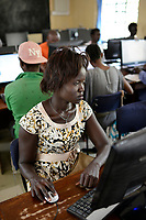 KENYA, Turkana, refugee camp Kakuma, JRS online university , distance learning for refugees / KENIA, Turkana, Fluechtlingslager Kakuma, JRS Jesuit refugee service, online Universitaet, Fernstudium fuer Fluechtlinge