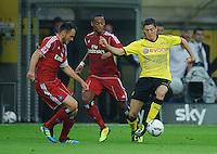 Fussball Bundesliga Saison 2011/2012 1. Spieltag Borussia Dortmund - Hamburger SV V.l.: Heiko WESTERMANN (HSV), Marcell JANSEN (HSV), Robert LEWANDOWSKI (BVB).