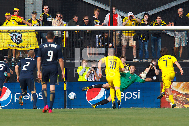 24 OCTOBER 2010: Columbus Crew midfielder/forward Guillermo Barros Schelotto (7) score on a penality kick against Philadelphia Union goalkeeper Chris Seitz (1) during MLS soccer game at Crew Stadium in Columbus, Ohio on August 28, 2010.