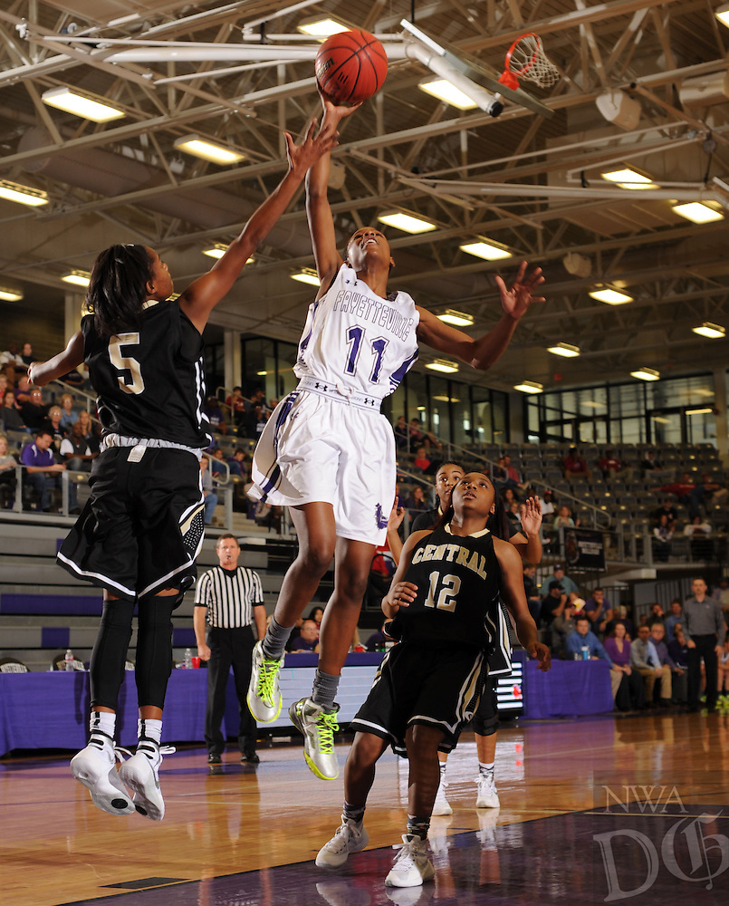 NWA Democrat-Gazette/ANDY SHUPE<br /> of Fayetteville of Little Rock Central Saturday, Dec. 12, 2015, during the first half at Bulldog Arena. Visit nwadg.com/photos to see more photographs from the game.