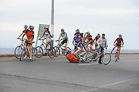 SCHAATSEN: EILAT (ISR): Trainingskamp Team Op=Op Voordeelshop, 17-01-2012, Lisette van der Geest heeft aanrijding, ©foto Martin de Jong