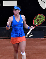 BOGOTÁ-COLOMBIA, 12-04-2019: Tamara Zidansek de Eslovenia, celebra el punto ganado a Lara Arruabarena de España, durante partido por el Claro Colsanitas WTA, que se realiza en el Carmel Club en la ciudad de Bogotá. / Tamara Zidansek of Slovenia, celebrates the point won to Lara Arruabarrena of Spain, during a match for the WTA Claro Colsanitas, which takes place at Carmel Club in Bogota city. / Photo: VizzorImage / Luis Ramírez / Staff.
