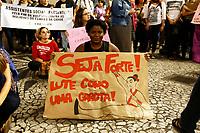 CURITIBA, PR, 08.03.2017 - DIA-MULHER –Mulheres ligadas a diversas grupos sociais e feministas realizam um ato no centro de Curitiba (PR), para marcar o Dia Internacional da Mulher, celebrado nesta quarta-feira, 8 de março. As mulheres saíram da praça Santos Andrade e estão caminhando pelas ruas centrais da cidade.(Foto: Paulo Lisboa/Brazil Photo Press)