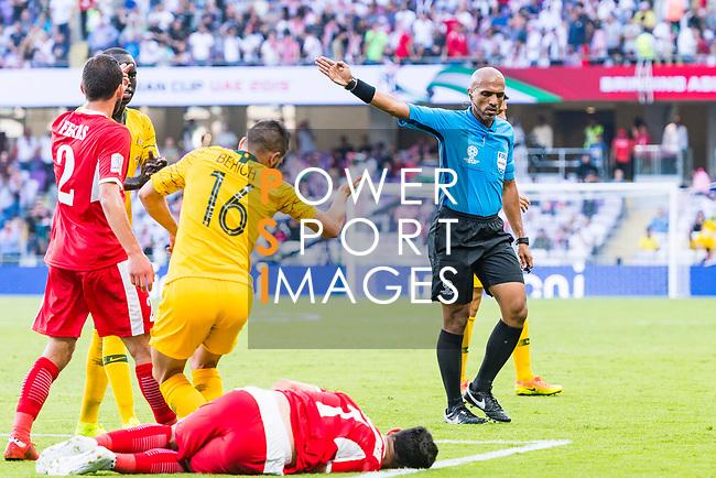 FIFA Referee Ahmed Abu Bakar Al Kaf of Oma (R) gestures during the AFC Asian Cup UAE 2019 Group B match between Australia (AUS) and Jordan (JOR) at Hazza Bin Zayed Stadium on 06 January 2019 in Al Ain, United Arab Emirates. Photo by Marcio Rodrigo Machado / Power Sport Images