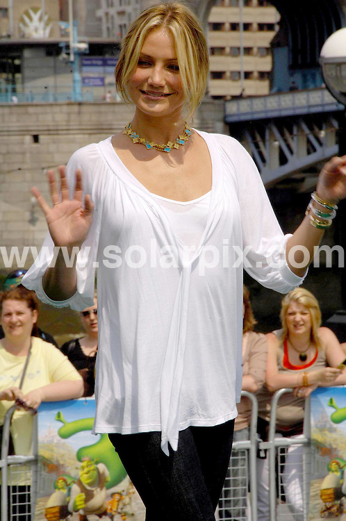 **ALL ROUND PICTURES FROM SOLARPIX.COM**.**WORLDWIDE SYNDICATION RIGHTS**.Antonio Banderas Mike Myers, Cameron Diaz and Rupert Everett at the Shrek the third photocall on the river Thames in London .JOB REF:4053-MSR    DATE:10_06_07 .This pic:CAMERON DIAZ.**MUST CREDIT SOLARPIX.COM OR DOUBLE FEE WILL BE CHARGED* *UNDER NO CIRCUMSTANCES IS THIS IMAGE TO BE REPRODUCED FOR ANY ONLINE EDITION WITHOUT PRIOR PERMISSION*
