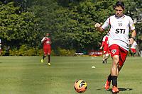 SAO PAULO, SP 23 AGOSTO 2013 - TREINO SAO PAULO - O jogador Osvaldo, durante o treino de hoje, no Ct. da Barra Funda. O time se prepara para enfrentar o Fluminense, neste próximo domingo, dia 25. foto: Paulo Fischer/Brazil Photo Press.