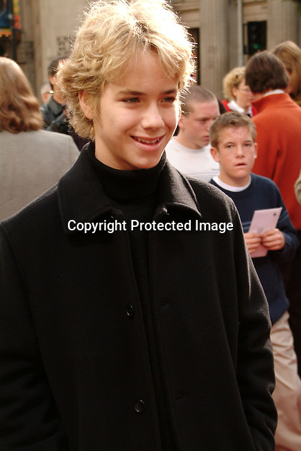 Jeremy Sumpter<br />&quot;Peter Pan&quot; - Los Angeles Premiere<br />Grauman's Chinese Theatre<br />Hollywood, CA, USA <br />Saturday, December 13, 2003<br />Photo By Celebrityvibe.com/Photovibe.com