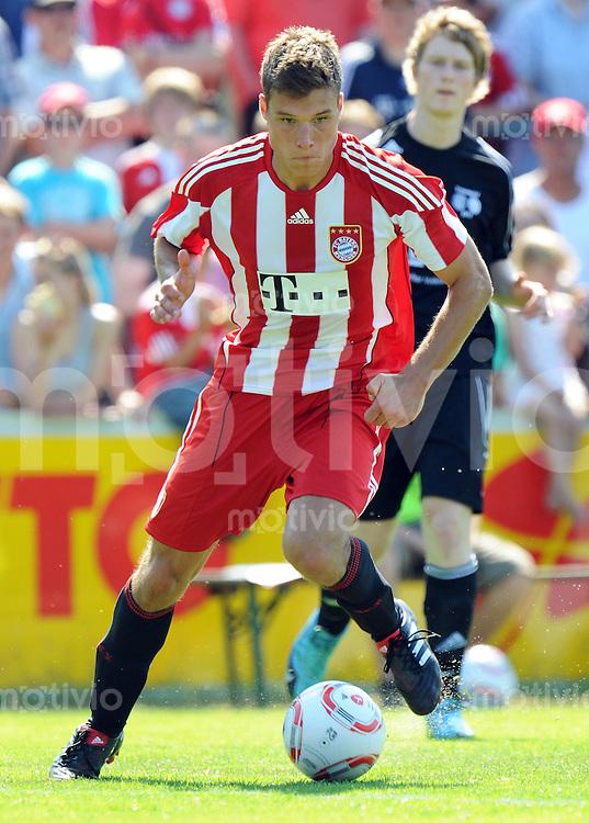 FUSSBALL  1. BUNDESLIGA   SAISON 2010/2011  TESTSPIEL Fanclub Lohner Bayern Union - FC Bayern Muenchen     26.06.2010 Thomas KURZ (FC Bayern Muenchen) Einzelaktion am Ball