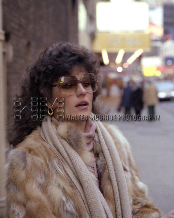 Lucie Arnaz.( star of THEY'RE PLAYING OUR SONG ).at the Imperial Theatre in New York City..( signing autographs at the stage door after a matinee performance ).March 1979.© Walter McBride /