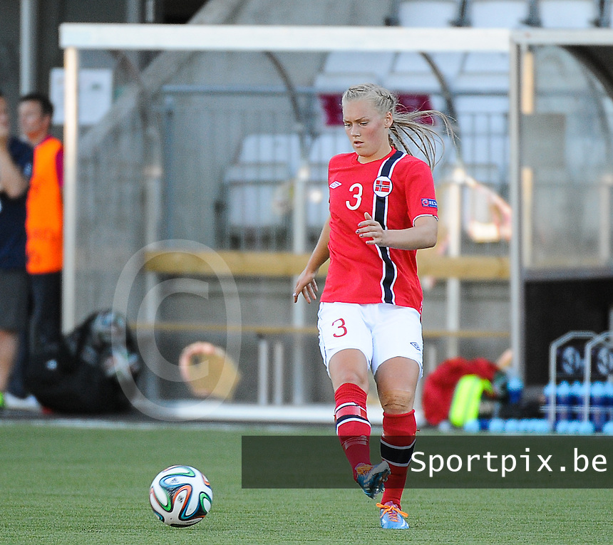 20140718 - Tonsberg , NORWAY : Norwegian Marit Clausen pictured during the female soccer match between Women under 19 teams of Norway and Belgium , on the second matchday in group A of the UEFA Women Under19 European Championship at Tonsberg Stadion , Norway . Friday 18th July 2014 . PHOTO DAVID CATRY