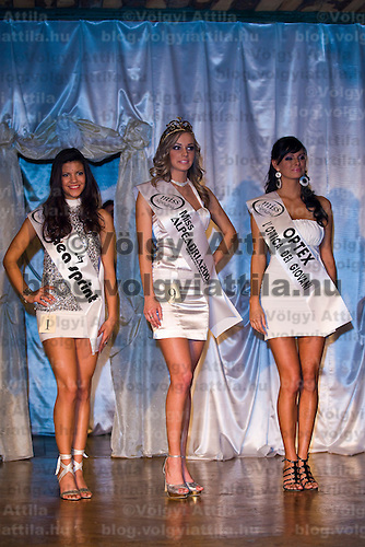 Queen Nikolett Nemeth (center), Renata Gyori (right) and Beatrix Halasz (left) the three winners of the Miss Alpe Adria Hungary beauty contest held in Budapest, Hungary. Saturday, 16. January 2010. ATTILA VOLGYI