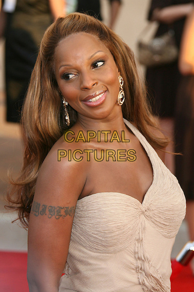 MARY J. BLIGE.34th Annual American Music Awards - Arrivals held at the Shrine Auditorium, Los Angeles, California, USA..November 21st, 2006.headshot portrait one shoulder beige tattoo.CAP/ADM/ZL.©Zach Lipp/AdMedia/Capital Pictures