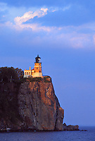 THE SPLIT ROCK LIGHTHOUSE AT SPLIT ROCK LIGHTHOSE STATE PARK NEAR TWO HARBORS, MINNESOTA.