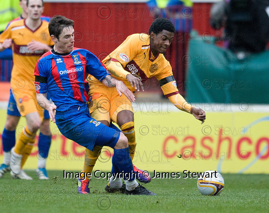 CALEY'S GREG TANSEY CHALLENGES MOTHERWELL'S OMAR DALEY..14/01/2012 sct_jsp001_motherwell_v_ict     .Copyright  Pic : James Stewart.James Stewart Photography 19 Carronlea Drive, Falkirk. FK2 8DN      Vat Reg No. 607 6932 25.Telephone      : +44 (0)1324 570291 .Mobile              : +44 (0)7721 416997.E-mail  :  jim@jspa.co.uk.If you require further information then contact Jim Stewart on any of the numbers above.........